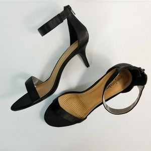 NWOB Comfortview Black Heel One Strap Satin
